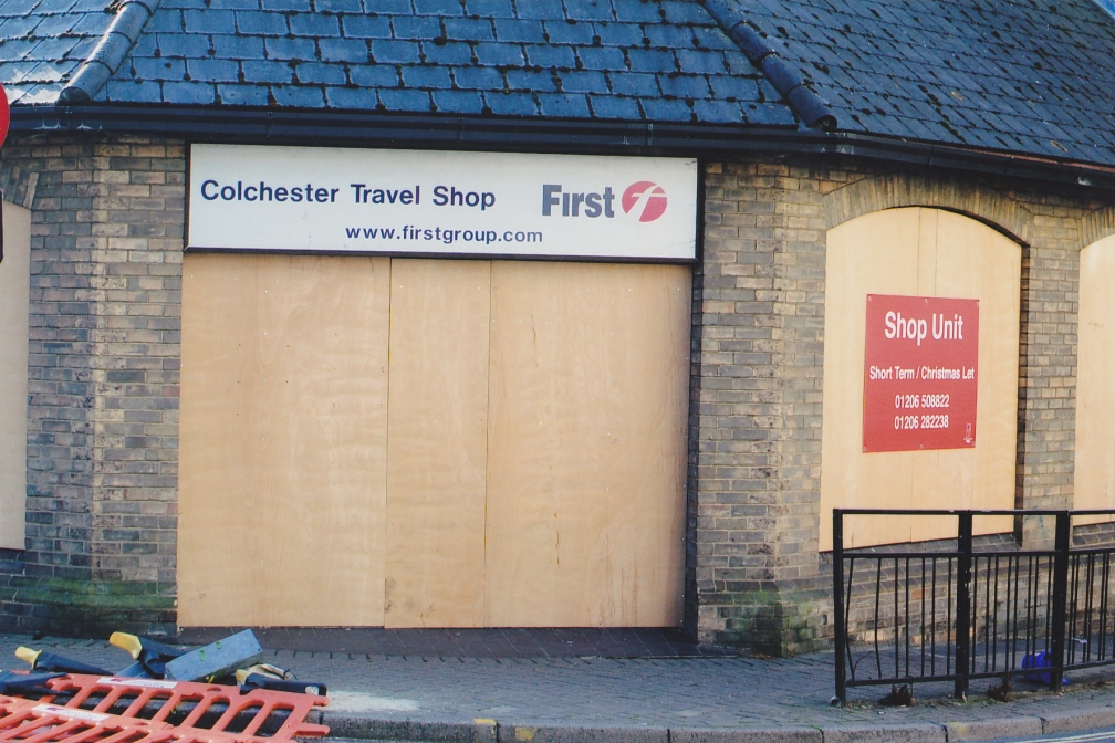 FIRST OLD CR TRAVEL SHOP TO LET  12-10-15
