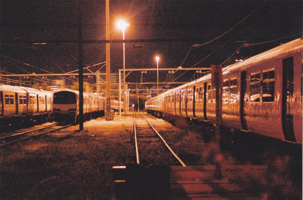 321301 AGA SOUTHEND VIC SIDINGS BY NIGHT  27-9-15
