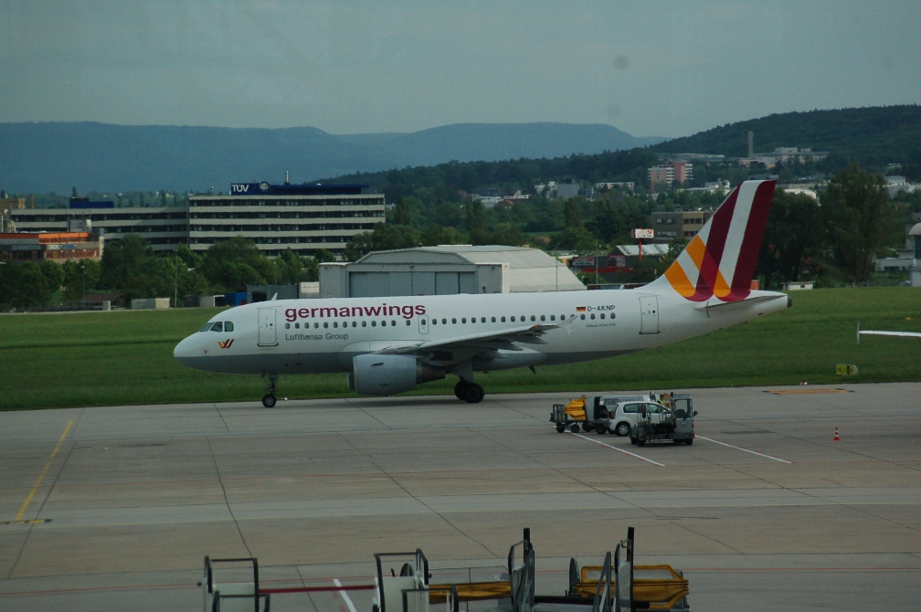 D-AKNP GERMANWINGS (STUTTGART) 22-5-16.jpg