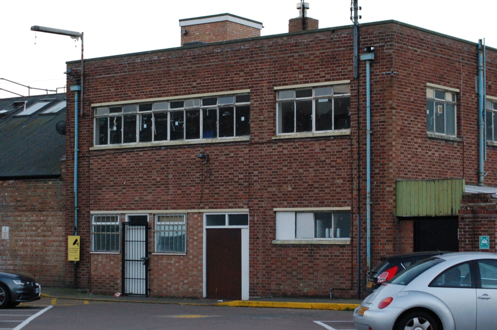 FIRST CLACTON OLD STAFF BLOCK 26-10-16.jpg