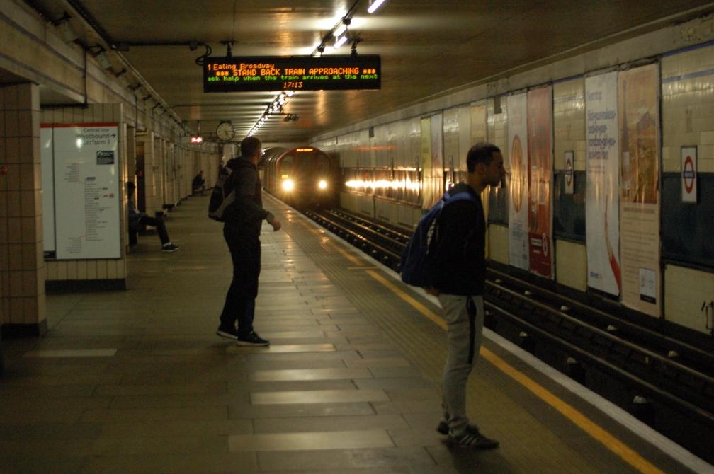 91227-lul-central-line-redbridge-28-6-16