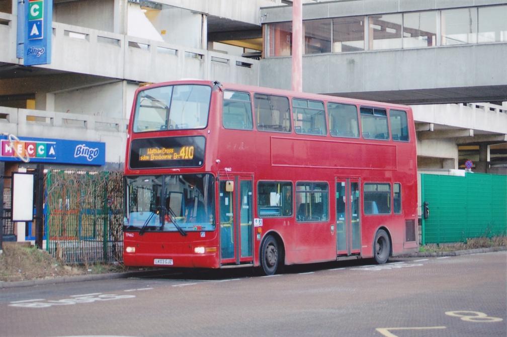 lk03gjz-trustybus-410-harlow-16-1-16
