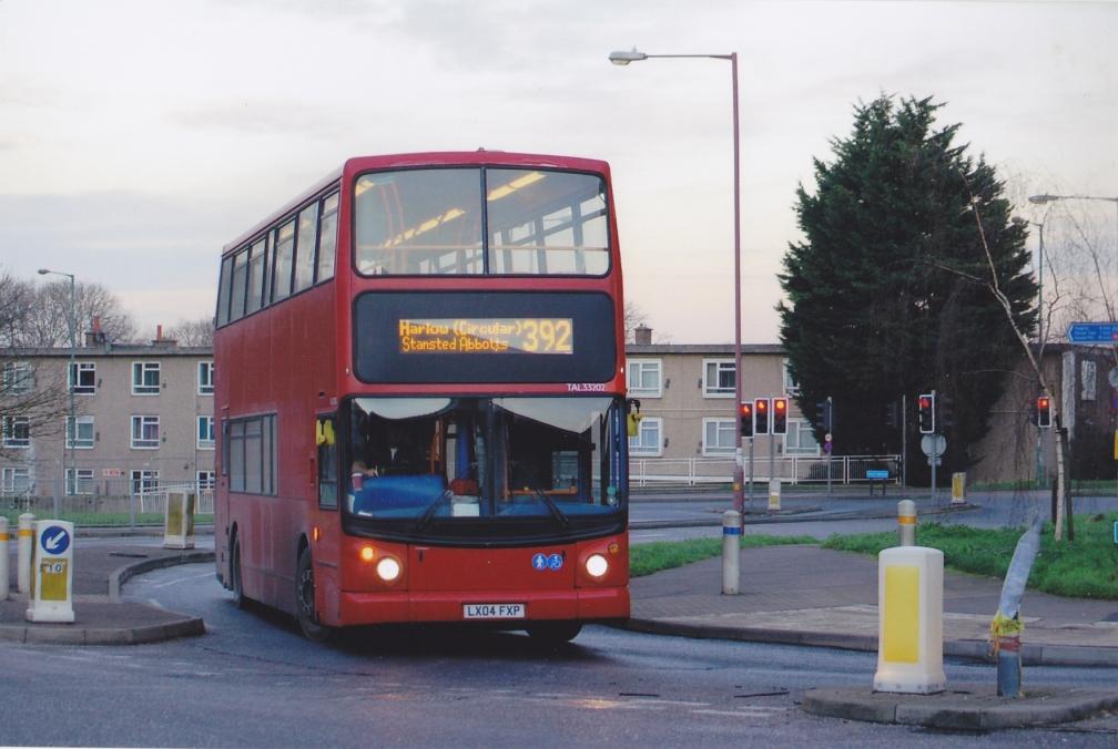 lx04fxp-trustybus-392-harlow-16-1-16