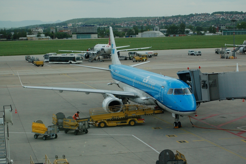 PH-EZB KLM CITY HOPPER (STUTTGART) 22-5-16.jpg