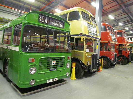 TPJ61S etc LT MUSEUM ACTON 23-4-17 (BRADLEY THE BUS)