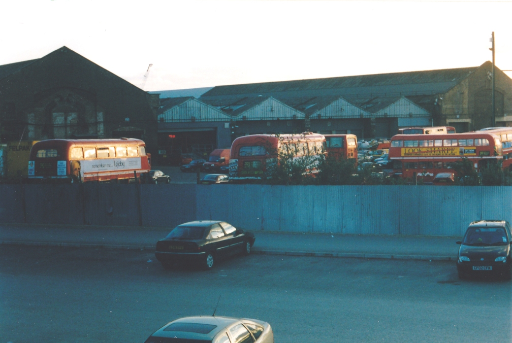 METROLINE KINGS CROSS DEPOT OLD 4-04