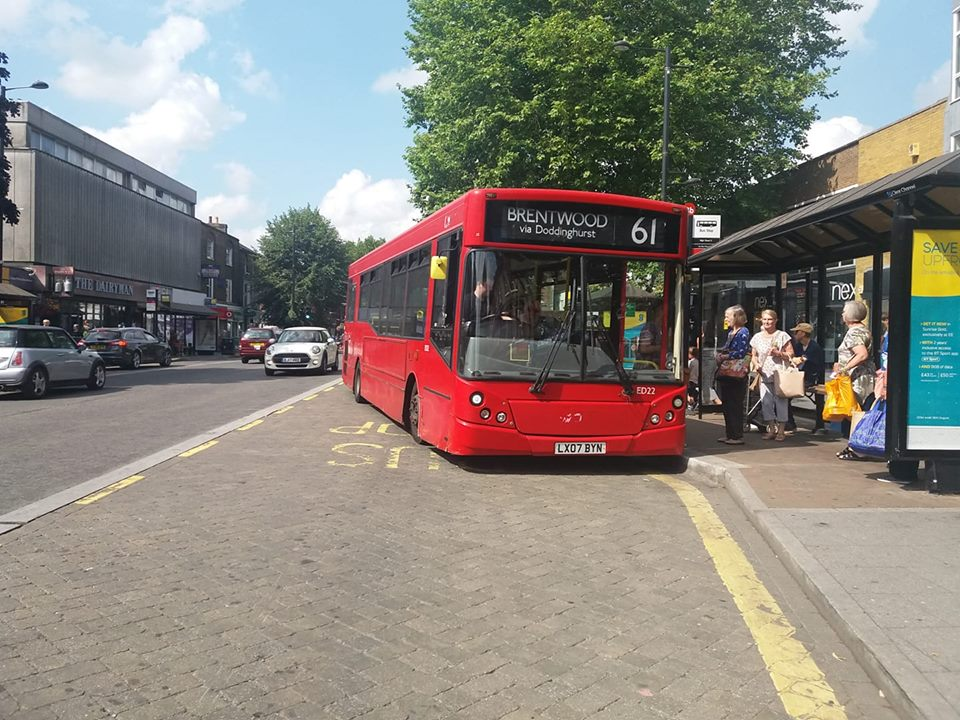 LX07BYN EOS LONDON 61 (BRENTWOOD HIGH ST) 21-7-18 (S AUSTIN)