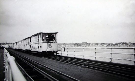 Walton toastrack-pier-train (TRIP ADVISOR.COM-FLICKR)