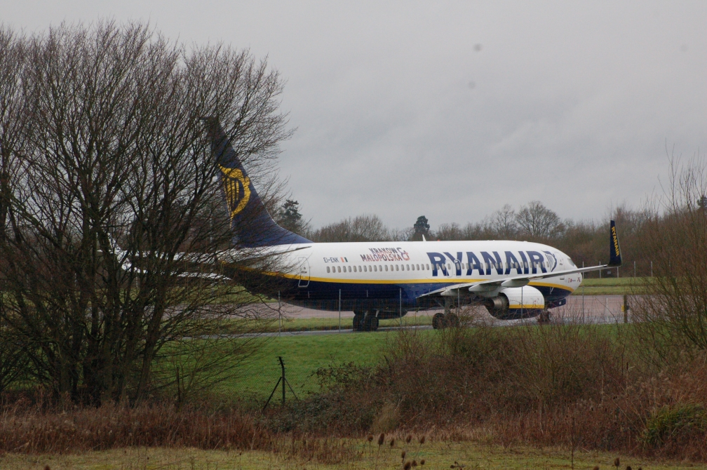 EI-ENK RYANAIR MOTHBALLED LSN 31-1-16