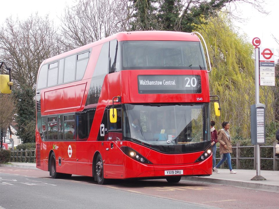 YX19ORU 2543 CT PLUS 20 (LOUGHTON STN) 23-3-19 (D ACOTT)