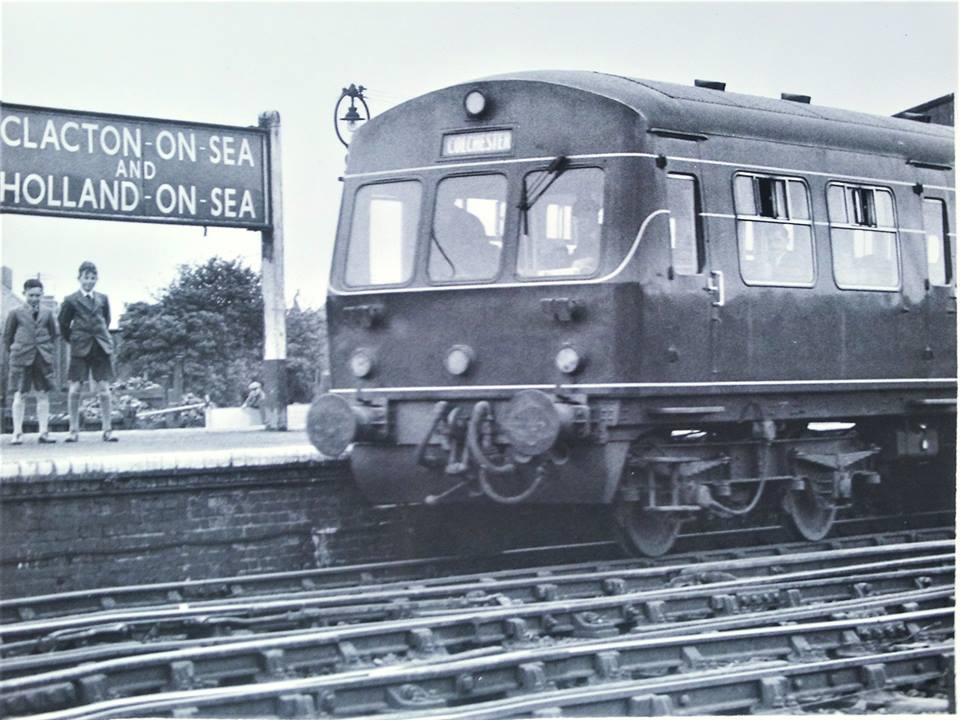 101 DMU AT CLACTON c1958 (G HARDWICK-CN & DISTRICT LOCAL HISTORY SOCIETY)