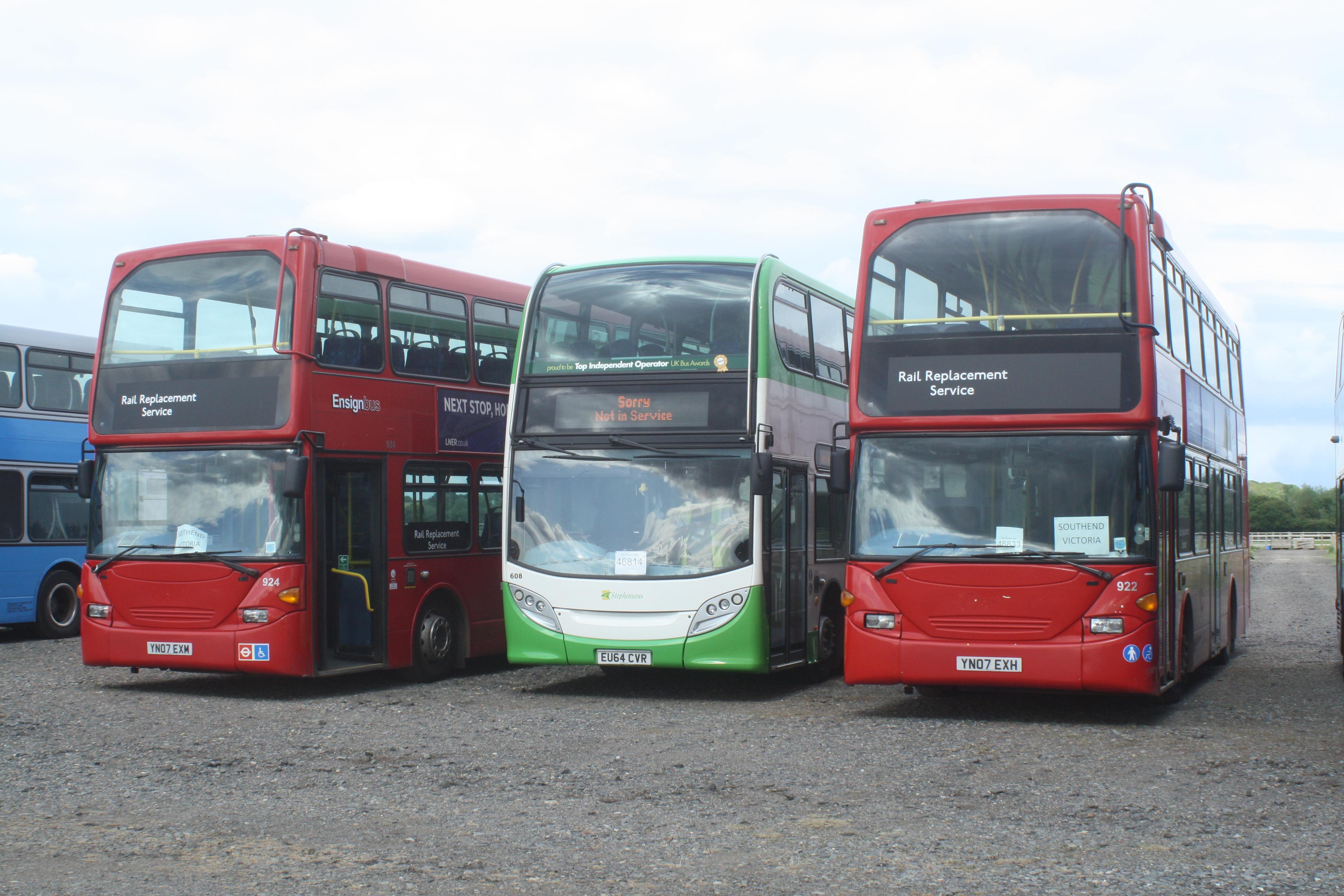 AWM Reisebus MB O 350 TOURISMO La Valle