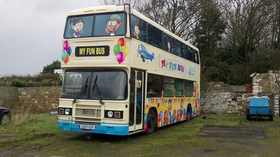 G297UYK EX LODGE (FUN BUS, CAYTON BAY, SCARBOROUGH 2018) (MATT HILL)