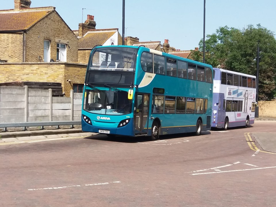 SN58ENX 6458 AR SD (SD TRAVEL CENTRE) 29-6-19 (S AUSTIN)