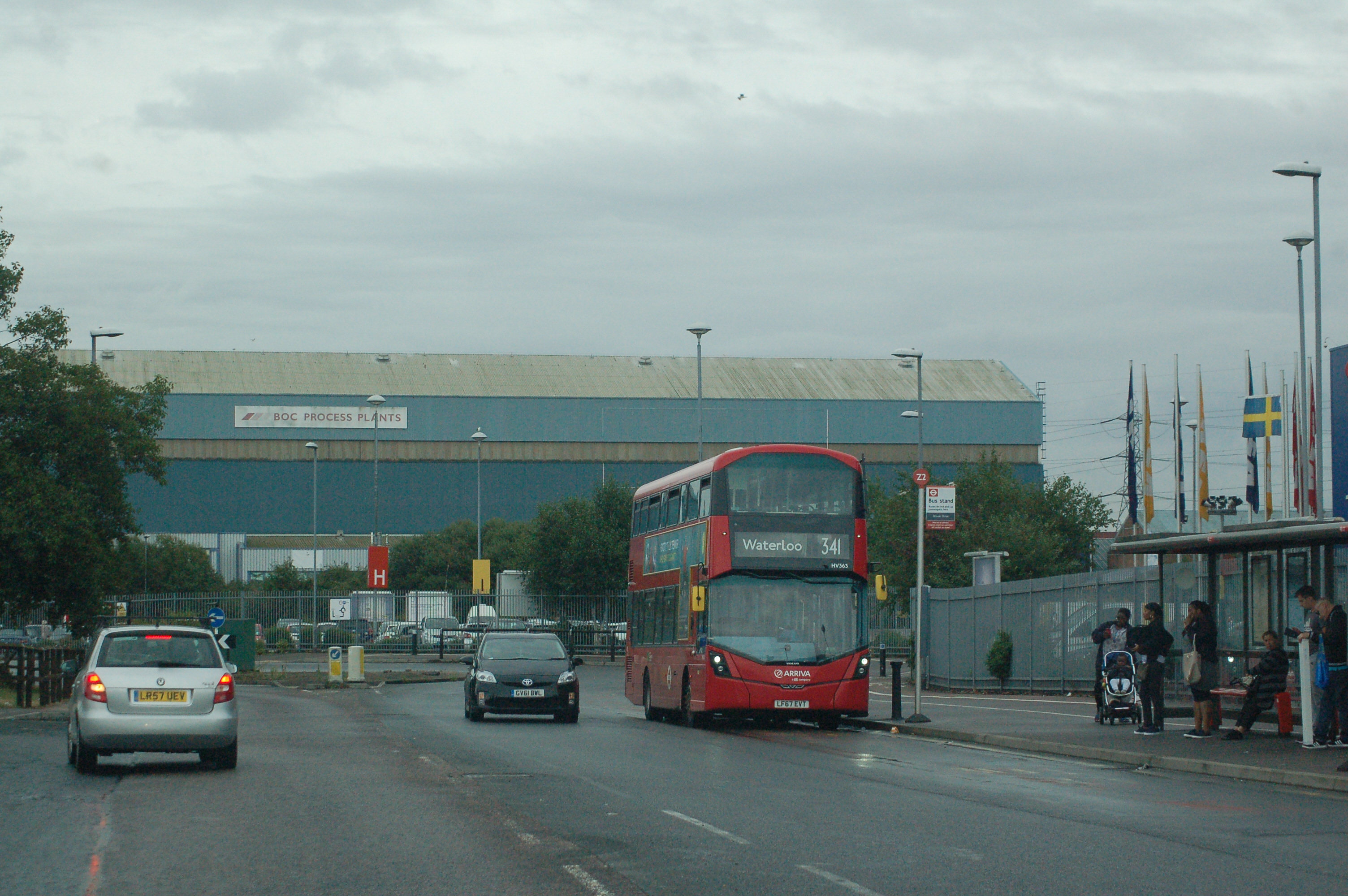 LF67EVT HV353 AR LON N 341 (LEA VALLEY TESCO) 16-8-18