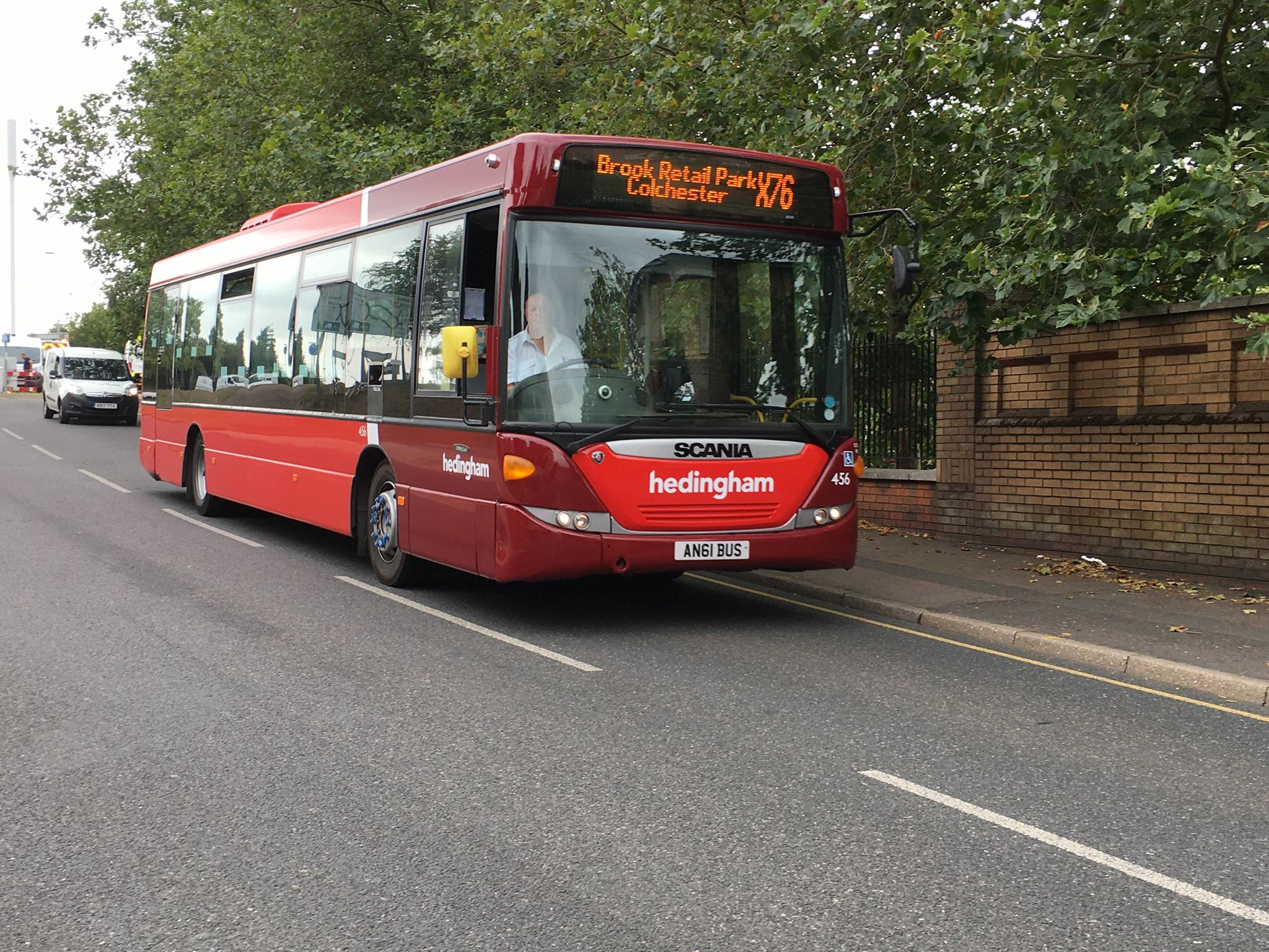 AN61BUS 456 HO X76 (GREENSTEAD RD, CR) 6-8-20 (D PRETTY)