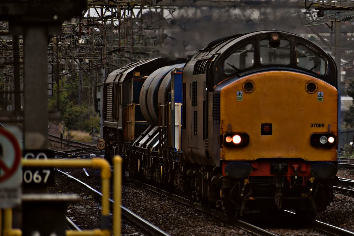 37059 + 66427 DRS RHTT (CR) 25-9-20 (J COLE)