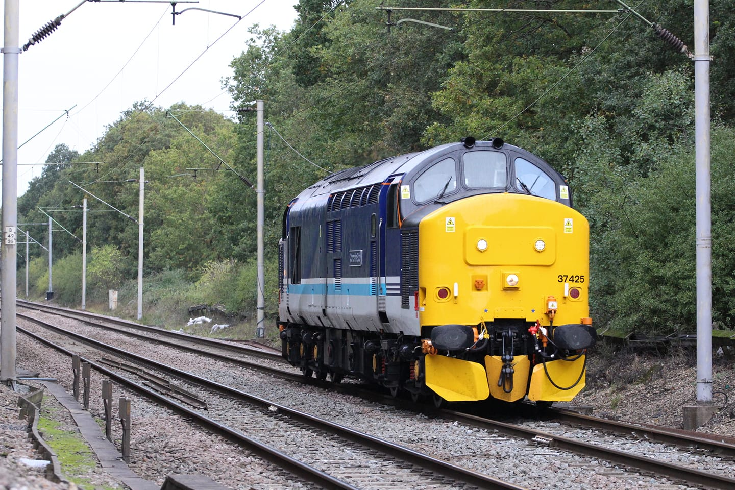 37425 'CONCRETE BOB' DRS 0Z25 PLYMOUTH-NORWICH (CHITTS HILL) 9-10-20 (JAMES COLE)