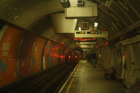 11039 LUL VICTORIA LINE (OXFORD CIRCUS) 14-11-20