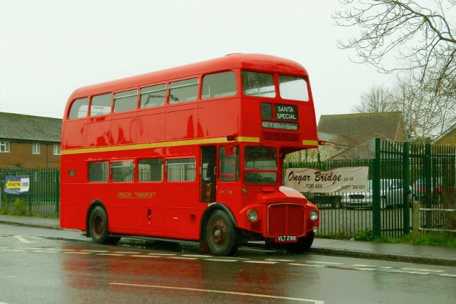 VLT298 RM298 LONDON BUS CO EOR SANTA SPECIAL (TWO BREWERS ONGAR) 6-12-20 (R DOWNTON)