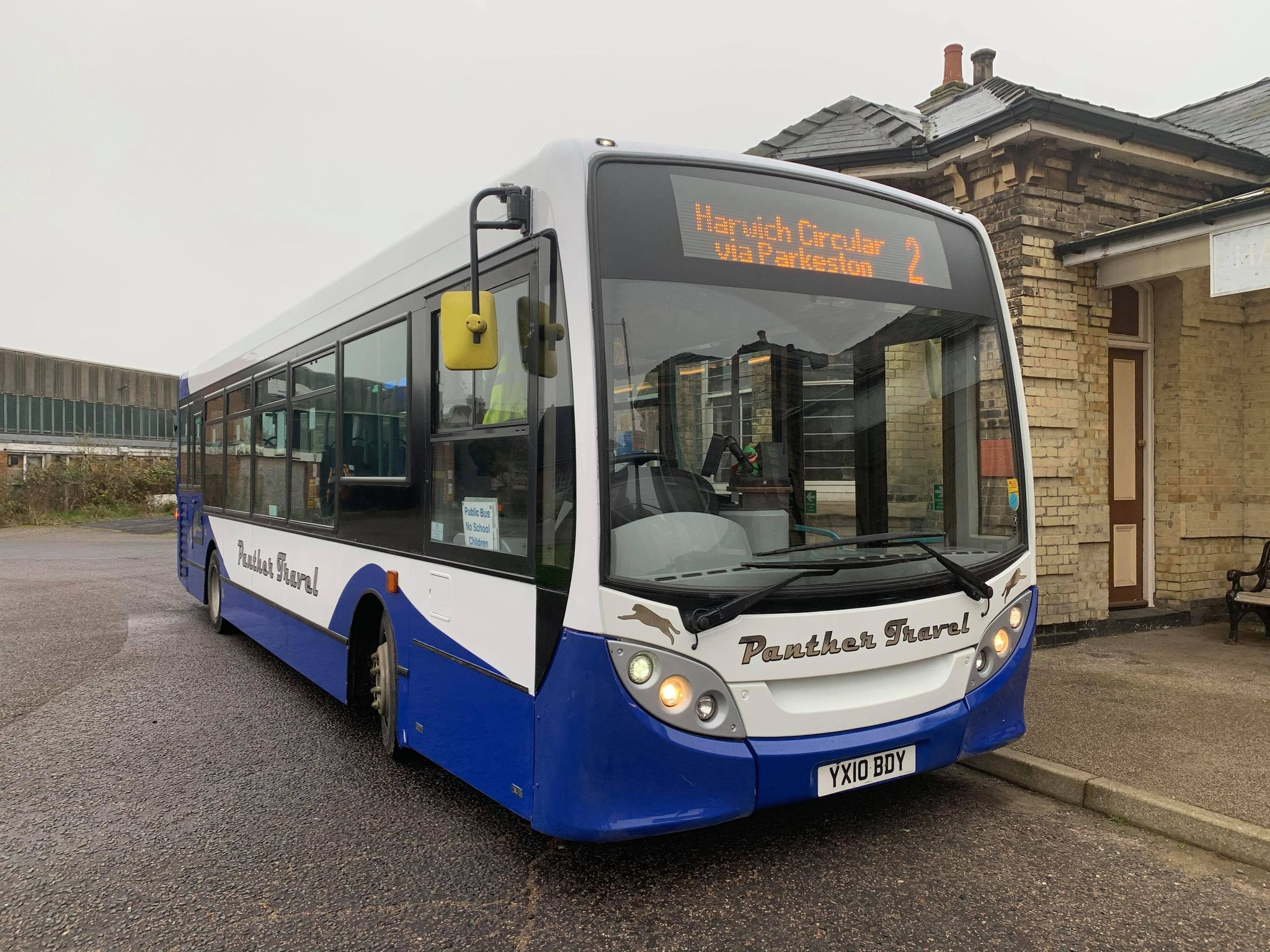 YX10BDY PANTHER FLEET LIVERY (HARWICH TOWN) 11-20 (S BARHAM)