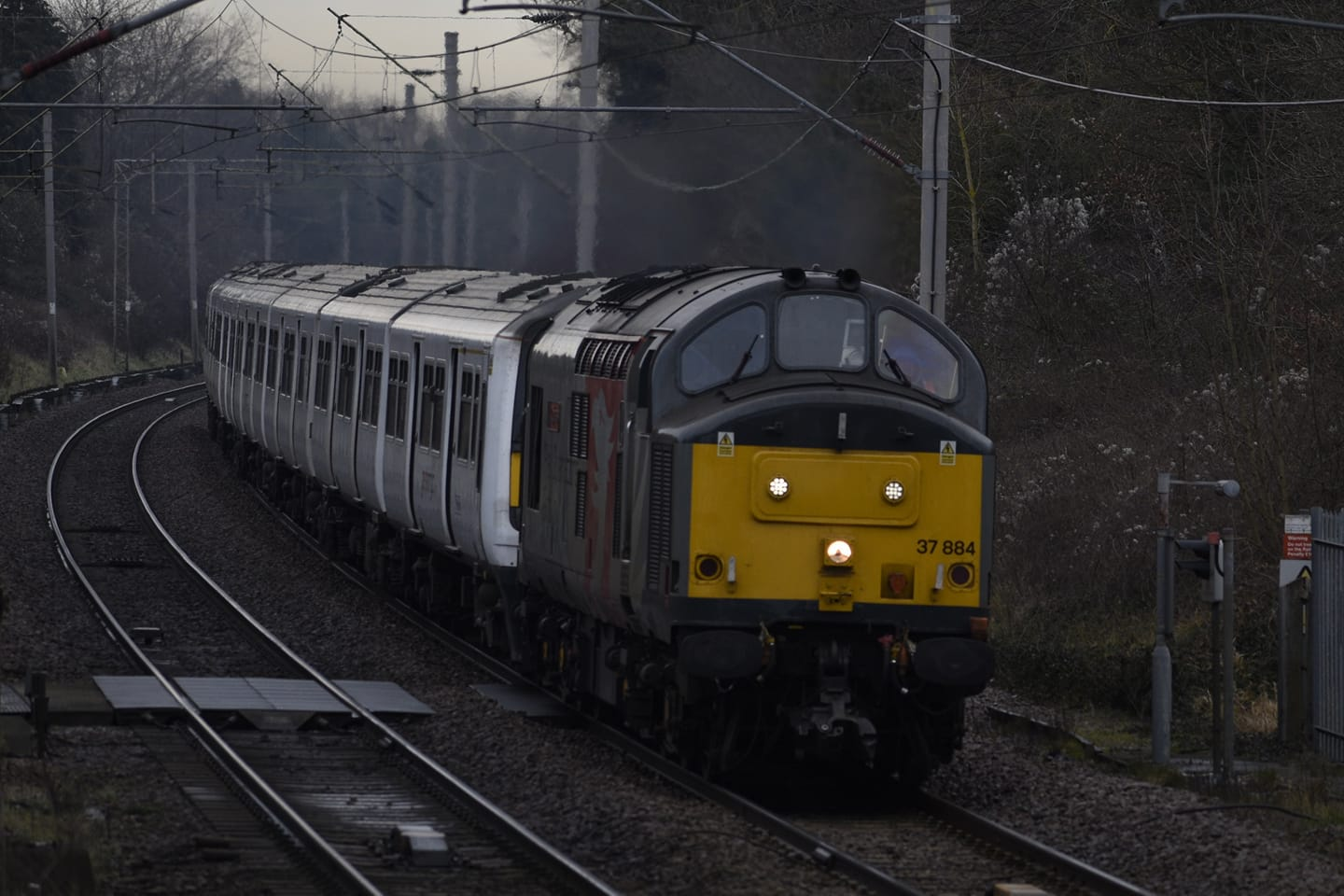 37884 ROG + 1st '321s TO NEWPORT FOR SCRAP (MARKS TEY) 26-1-21 (J COLE)
